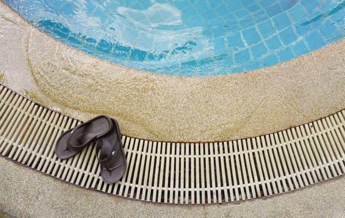 Babyschwimmen - Beckenrand