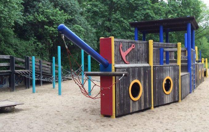 Schiff-Spielplatz am S-Bahnhof Biesdorf