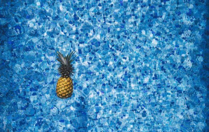 Babyschwimmen - 4. Tag - Ananas im Wasser