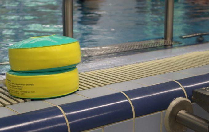 Babyschwimmen - 5. Tag - Schwimmflügel