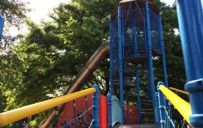 Spielplatz im Bürgerpark Marzahn - große Rutsche