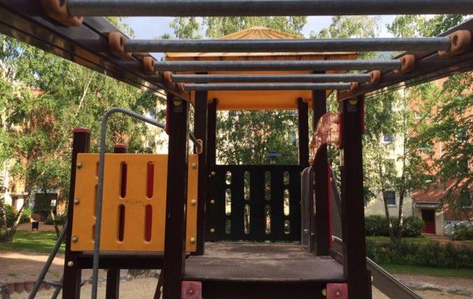 Spielplatz in der Louis-Lewin-Straße -Klettergerüst