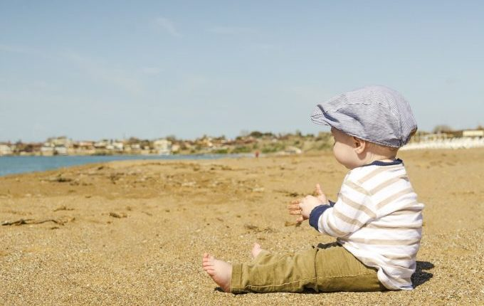 Warum weint mein Baby - Baby am Strand