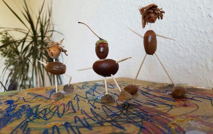 Bastelideen für den Herbst - Männchen aus Eicheln, Kastanien, Haselnüssen