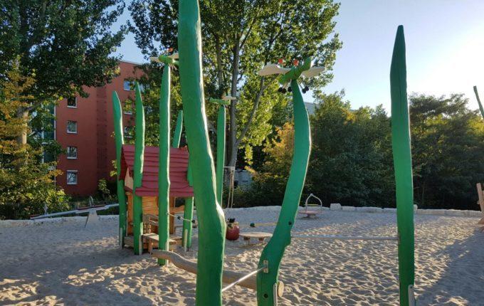 Spielplatz am Baltenring - Holzlibellen
