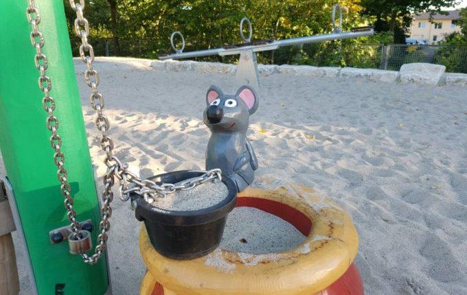 Spielplatz am Baltenring - Wippe, Topf mit Maus und Flaschenzug