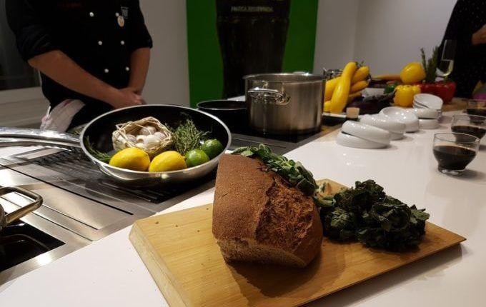 Hallo, Kalettes - Brot, Gemüse und Kräuter