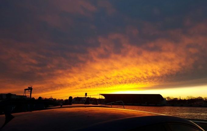 Samstag in Warnemünde - verfärbter Himmel