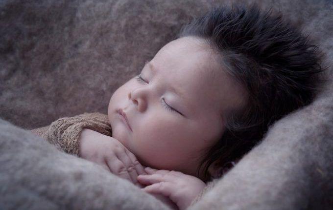 1. Mal Einschlafen ohne Brust - Kind schläft friedlich