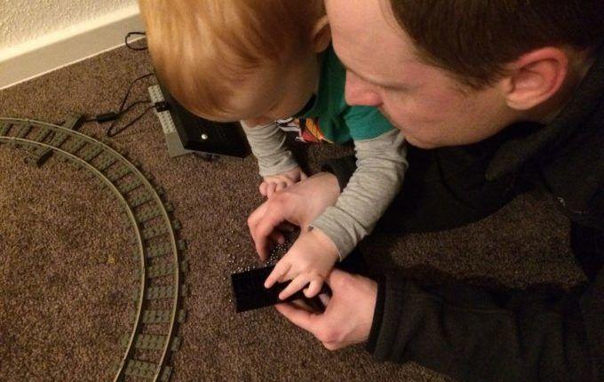 Mein schönster Moment mit Kind, Baby - Blogparade - Vater und Sohn spielen Lego