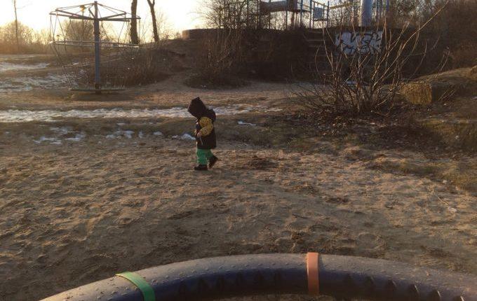 Abenteuerspielplatz im Libertypark - Karussell und Drehrad