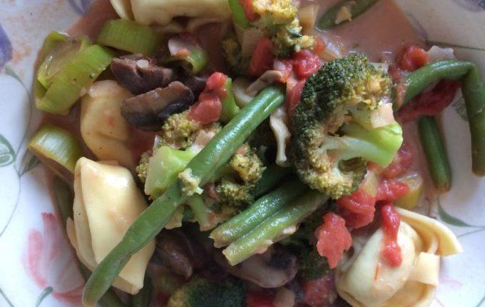 Tortellini mit Gemüse (vegetarisch)