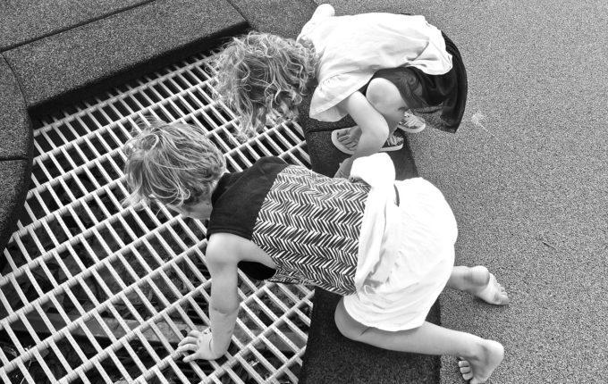 Kuscheltier verloren - Kinder suchen