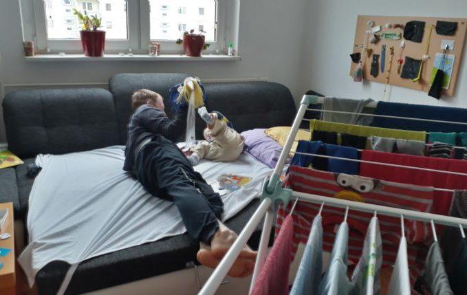 12 von 12 - April 2017 - Papa und Sohn dödeln rum