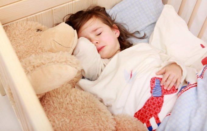 Familienbett - Warum eigentlich (nicht) - Kind allein traurig im Bett