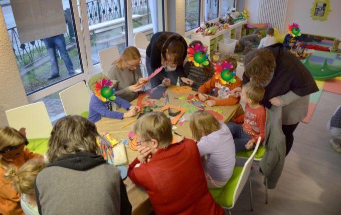 Kindercafé in Kaulsdorf - MITTENDRIN leben e.V. - Bastelnachmittag