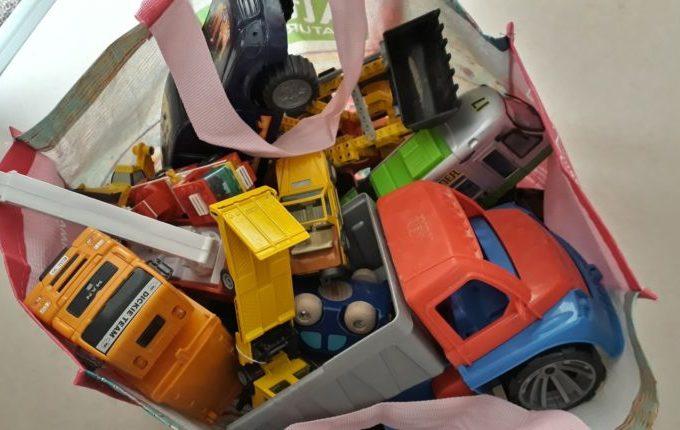 12 von 12 - Juni 2017 - Tasche mit Spielzeug