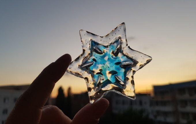 Stern im Stern aus Schmelzgranulat mit Verziehen-Technik