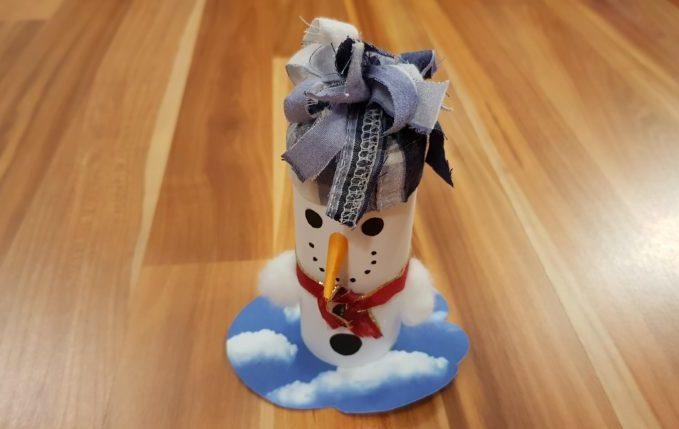Schneemann aus Klopapierrolle.jpg