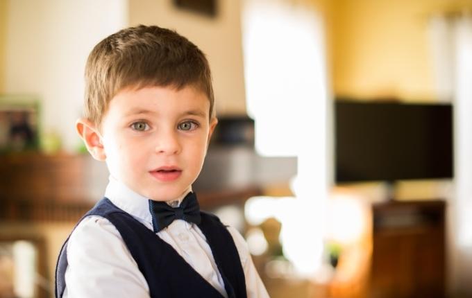 Junge im Anzug.jpg