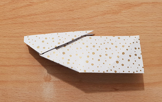 Hasen Origami auf der Seite liegend