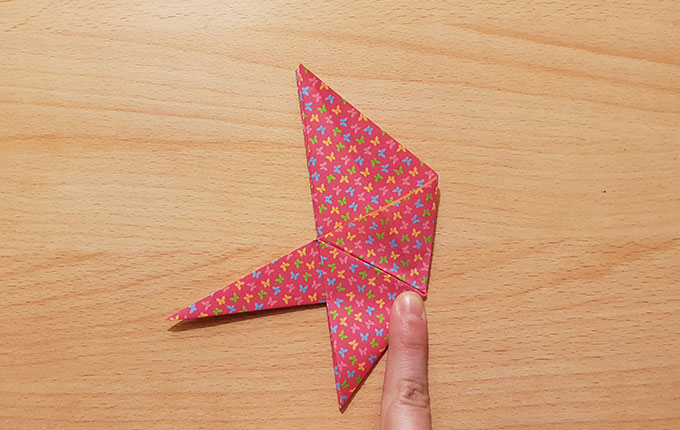 Origamihase hat sein erstes Ohr bekommen