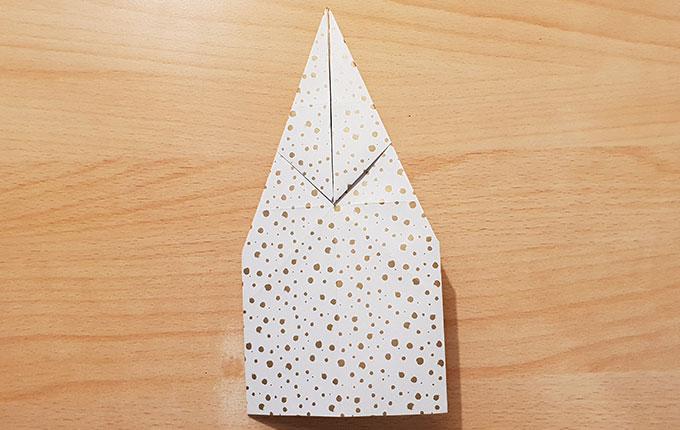 Origamipapier wird umgedreht