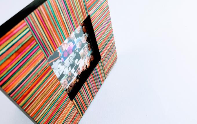 Fotocollage im bunten Rahmen