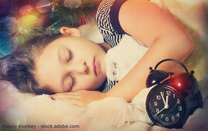 Kind schläft zu Silvester fünf Minuten vor 0 Uhr