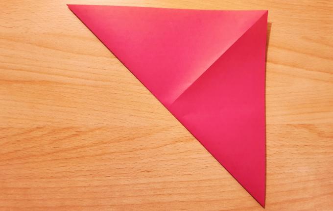 Diagonale rechts gefaltet