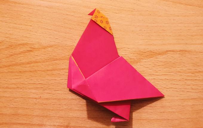 fertig gefaltetes Origami Huhn