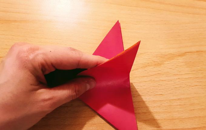 Hand faltet Origami Flügel