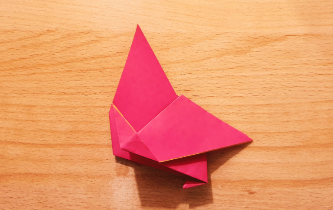 Origami Huhn ohne Kopf mit Füßen