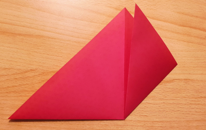 rechte Seite vom Dreieck gefaltet